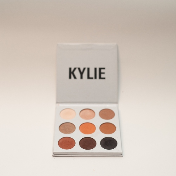 Kyshadow - The Sorta Sweet Palette by Kylie Cosmetics #16